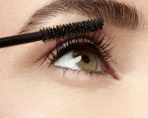 Jen_feature length Mascara_061_1_600x600