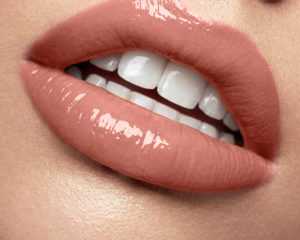Luscious Lip sheen Indulge EXP 31_01_22