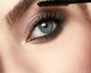 Feature Length Mascara Macro