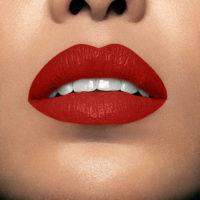 Model wearning Mii Moisturising Lip Lover Express Lipstick